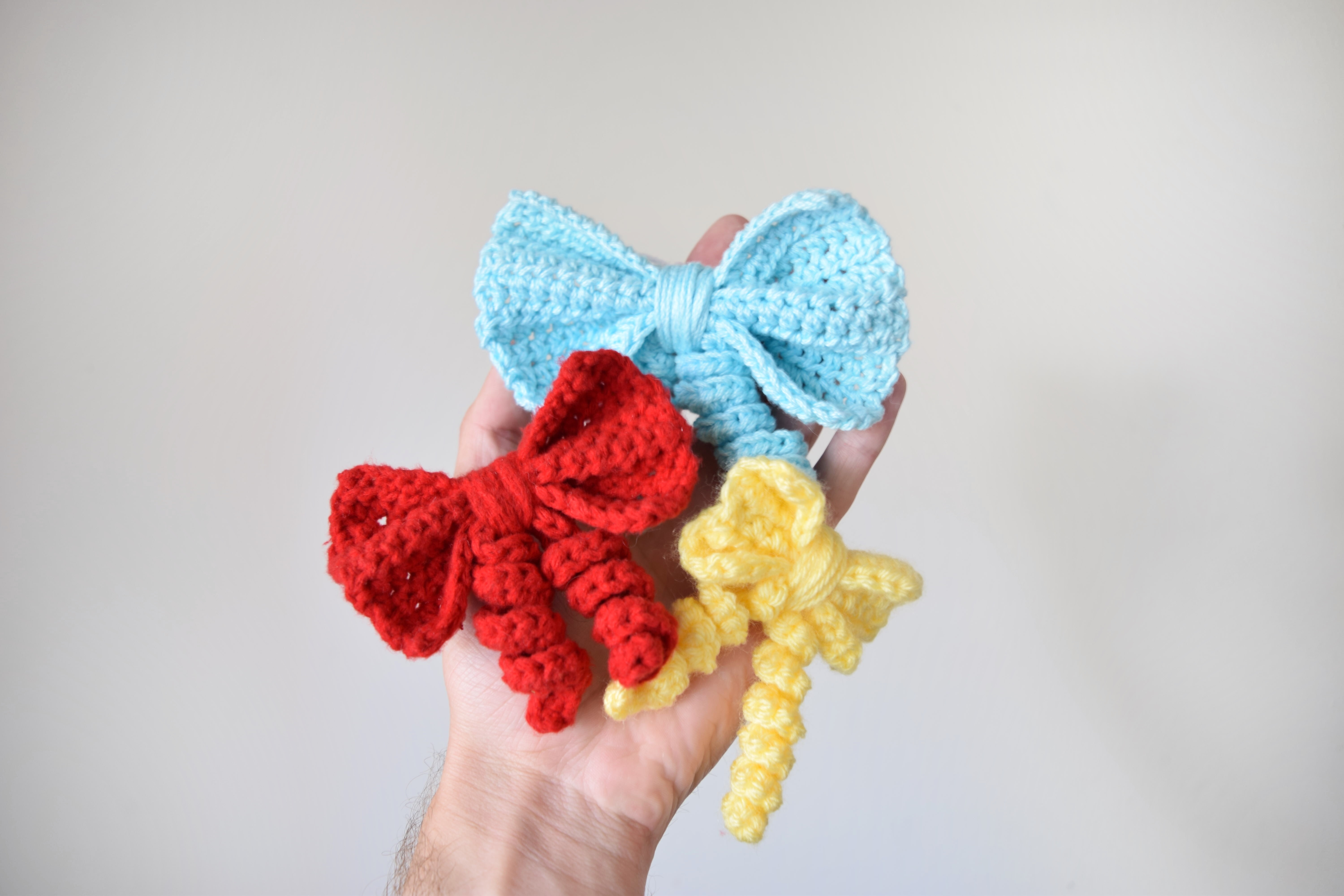 How to Crochet a Bow pics